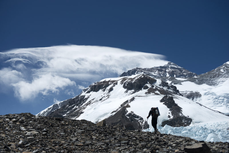 DSC_5720_A climber hikes towards advanced basecamp, Mt. Everest in background. Copyright Dave Ohlson_50percent